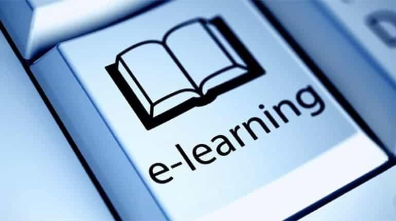 É una metodologia di erogazione di percorsi formativi che combina la formazione tradizionale face-to-face (in aula con l'insegnante) con la formazione technology-based grazie alla possibilità di gestire in autonomia tempi e modalità di studio.